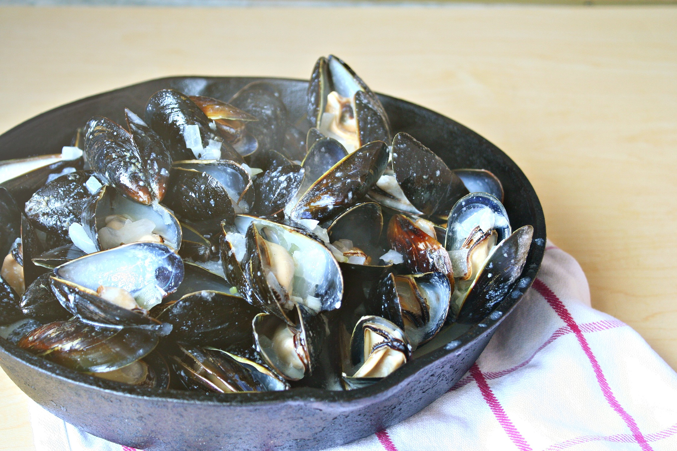 coconut ginger mussels