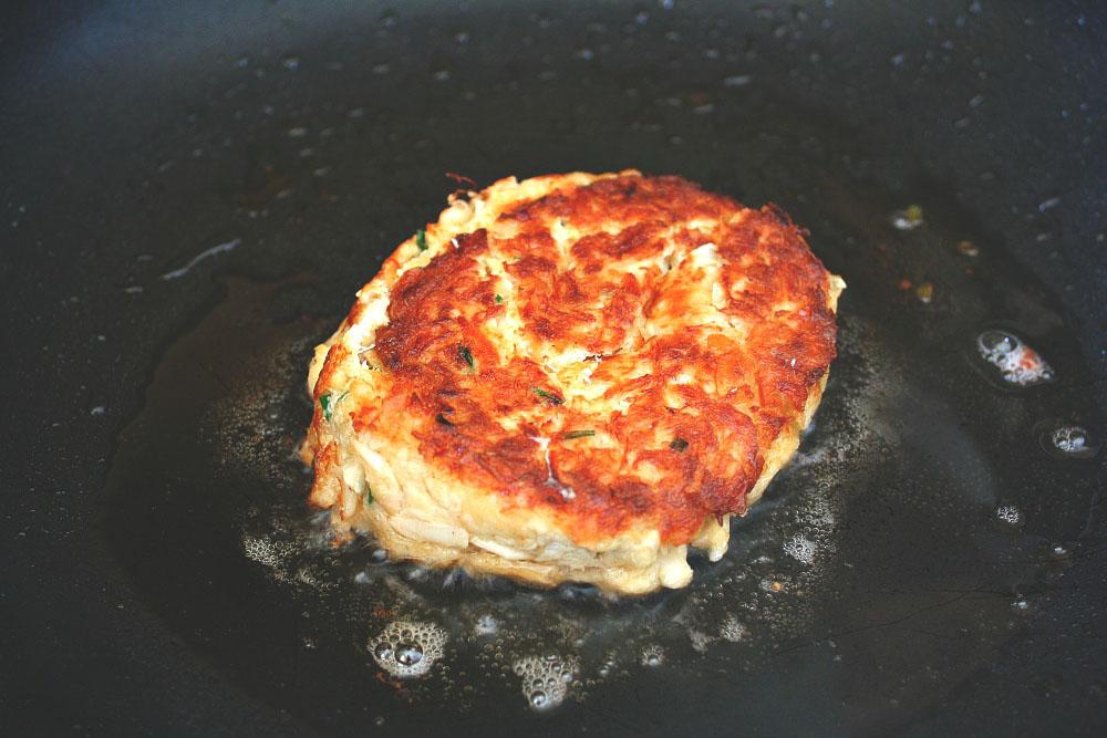 frying crab burger