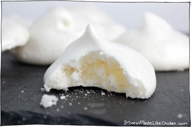 vegan-meringue-cookies-1