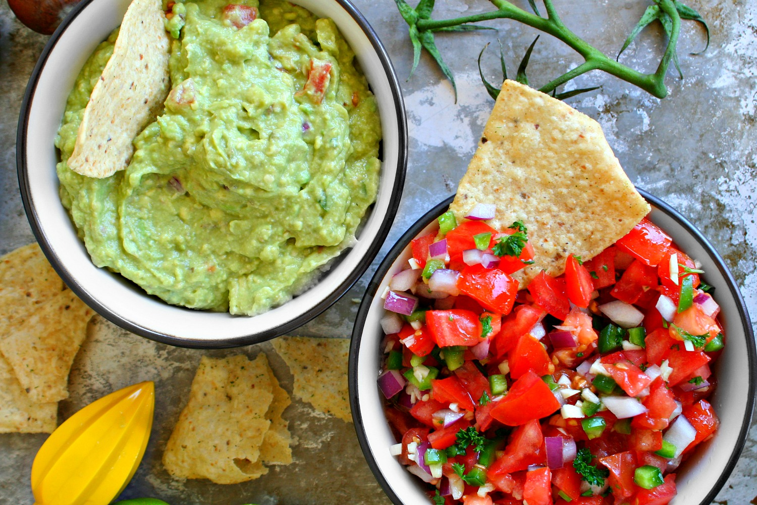 If you're looking for a fresh and flavorful salsa, this recipe is an excellent choice. The combination of diced tomatoes, peppers, garlic, and lime juice make for a classic fresh salsa.4/5(97).