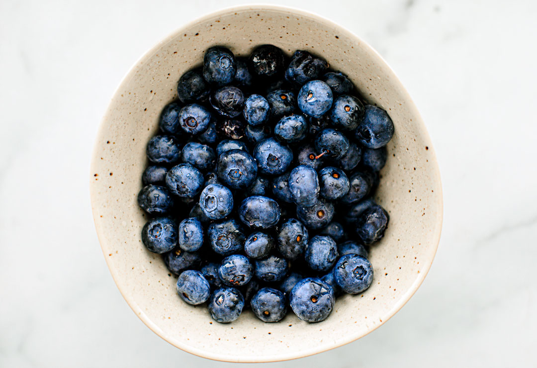 Bowl of fresh blueberries.